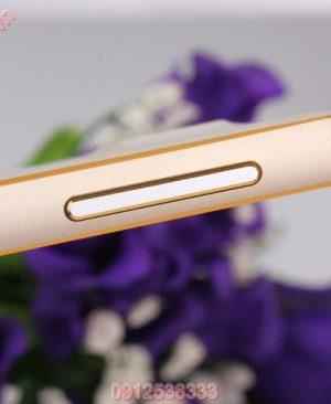Ốp viền Samsung Galaxy E5 kim loại bo tròn chỉ vàng